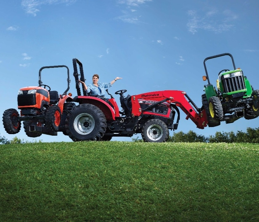 2018 Mahindra 1526 4WD Shuttle Tractors Less than 40 HP For